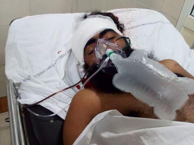 Joga Singh Khalistani undergoing treatment at the DMCH on Friday.