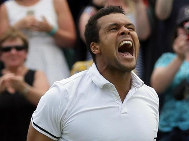 Wimbledon: Tsonga takes long route to last 16, beats Isner 19-17 in 5th set