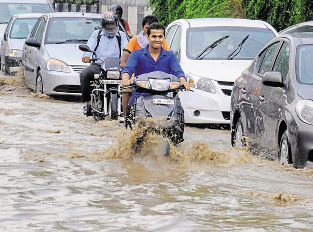 Gurgaon's crumbling infrastructure