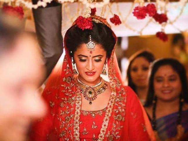 Yeh Hai Mohobbatein,Himika Varma,Wedding