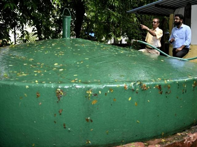 The biogas plant converts kitchen waste into a daily supply of one cylinder (15kg) of cooking gas.
