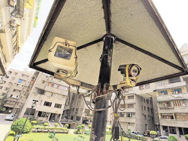 As many as 4,000 CCTV cameras have been set up by the Delhi government, 3,677 by the Delhi Police and 1.60 lakh by the public.RAJ K RAJ / ht file