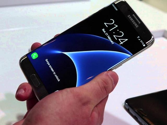 Samsung's smartphone business had been squeezed before the start of this year between Apple, at the high end of the market, and Chinese rivals like Huawei Technologies [HWT.UL] in the budget segment