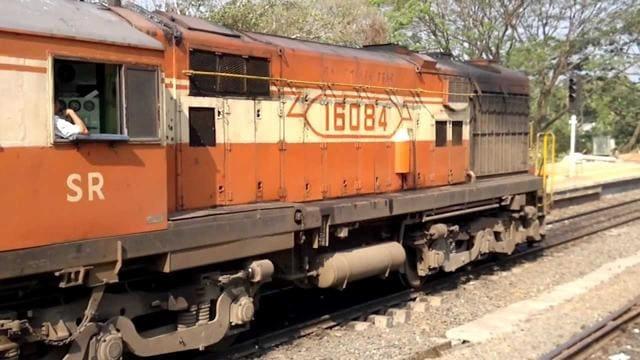 Kannur,Ernakulam,Kannur-Ernakulam express train