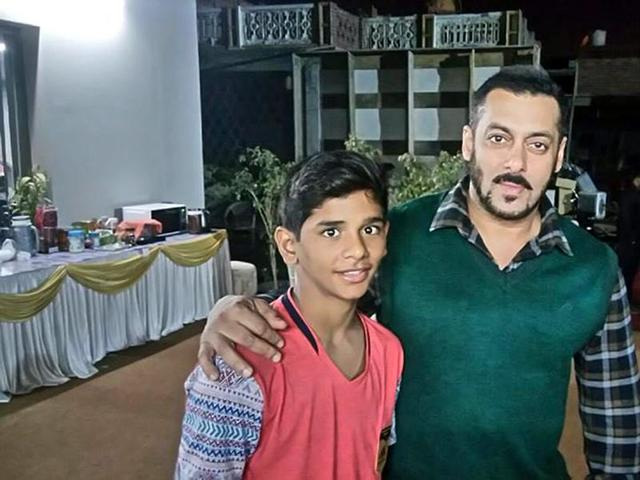 New Bombay Gym's Animesh Thakur with actor Salman Khan.