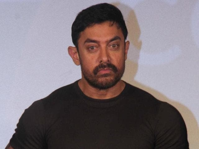 Actor Aamir Khan apologised after his  'feeling like a waiter' comment, but was still criticised for it.