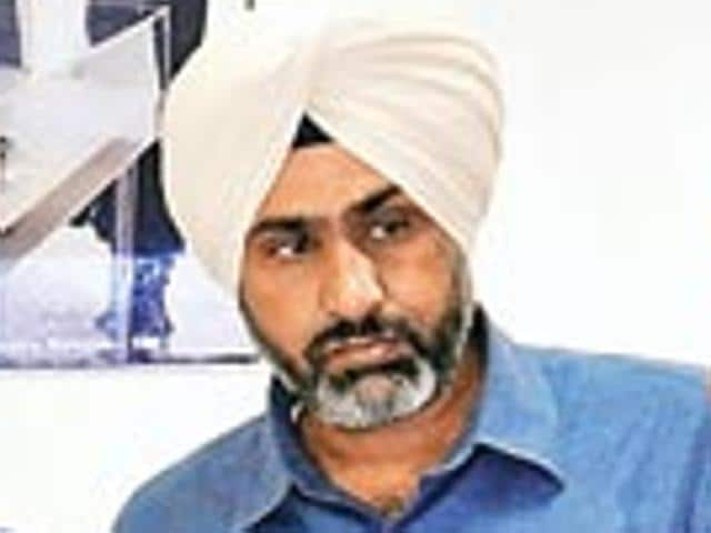 Punjab deputy CM Sukhbir Singh Badal's special principal secretary Manvesh Singh Sidhu (in pic) and CM Parkash Singh Badal's technical adviser, Lt Gen BS Dhaliwal (retd), were at SIUS Ascor company in Zurich from June 8 to 12.