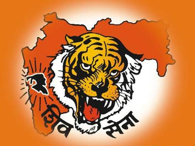Shiv Sena took potshots at the BJP saying that it is difficult these days to find people of the same calibre as those who had served in the ministries of Jawaharlal Nehru and Indira Gandhi