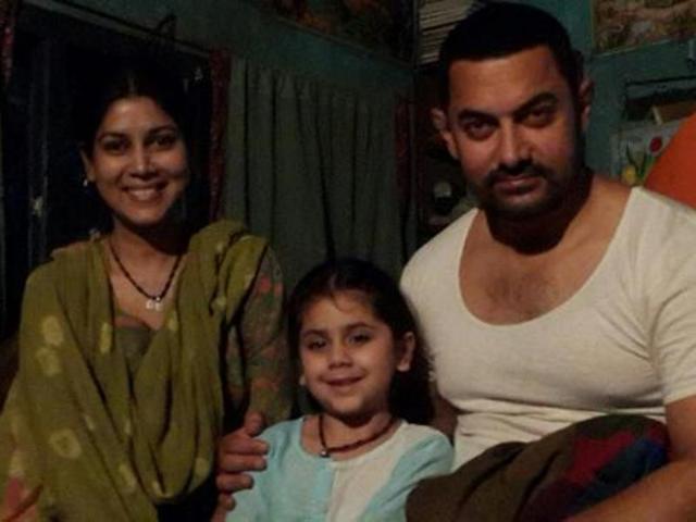 Fantastic, unbelievable: Aamir Khan praises Dangal co-star, Sakshi Tanwar