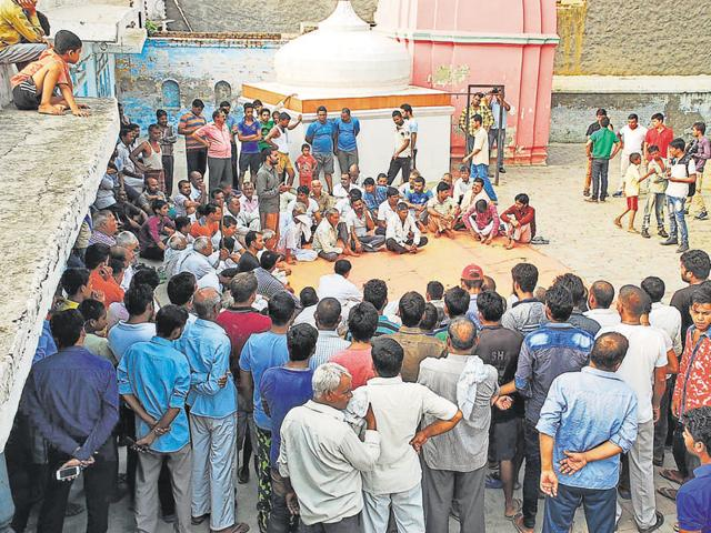 Residents of Bisada held a panchayat inside a temple on June 26 to decide on the course of action. Most villagers demanded development of the village at the meeting.