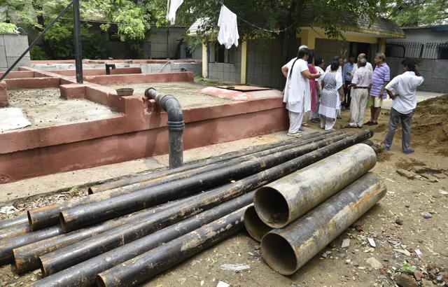 The residents protested and alleged that the move will affect the water distribution system of the locality.