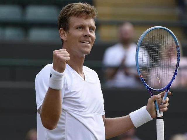 Berdych ends Pouille's run, cruises into second Wimbledon semifinal