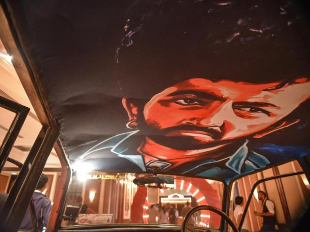 Bollywood posters find a new home in Mumbai's taxis