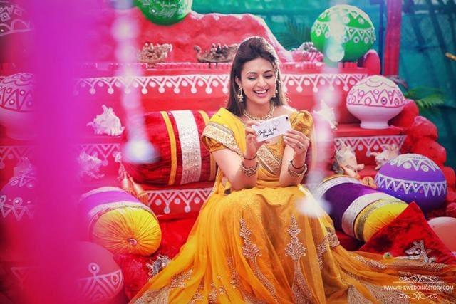 Mehendi Ceremony Look : Divyanka tripathi s haldi and mehendi pics are in they