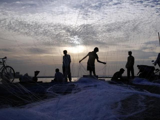 Sri Lankan naval personnel have arrested 16 fishermen from Tamil Nadu for allegedly fishing in their territorial waters.