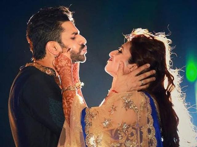 Divyanka is marrying her Yeh Hain Mohobbatein co-star Vivek Dahiya. The wedding will be in Bhopal tonight while the reception will be held in Chandigarh on July 10, Sunday.(Facebook/TheWeddingStory)
