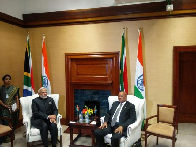 Ceremonial welcome greets Modi on arrival at Union Buildings, Pretoria