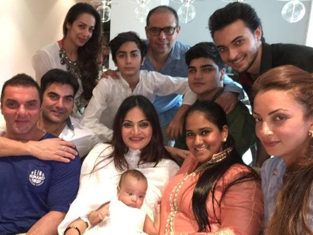Actors Arbaaz Khan and Sohail Khan with their wives Malaika Arora Khan and Seema Khan.