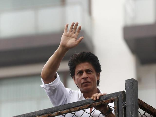 Shah Rukh Khan celebrated Eid with his fans in Mumbai.