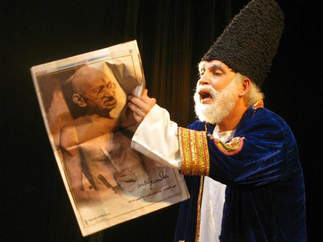 With the play, Pierrot's Troupe has put Mirza Ghalib in the 21st century Delhi.