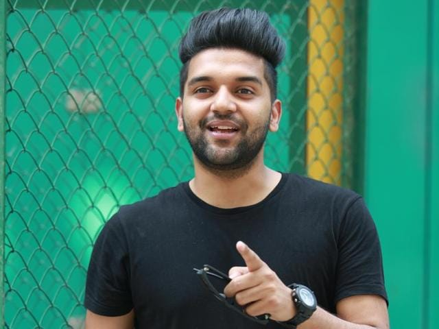 Singer Guru Randhawa says he wants to first establish himself as an independent artist before entering Bollywood.(Amal KS/ HT)