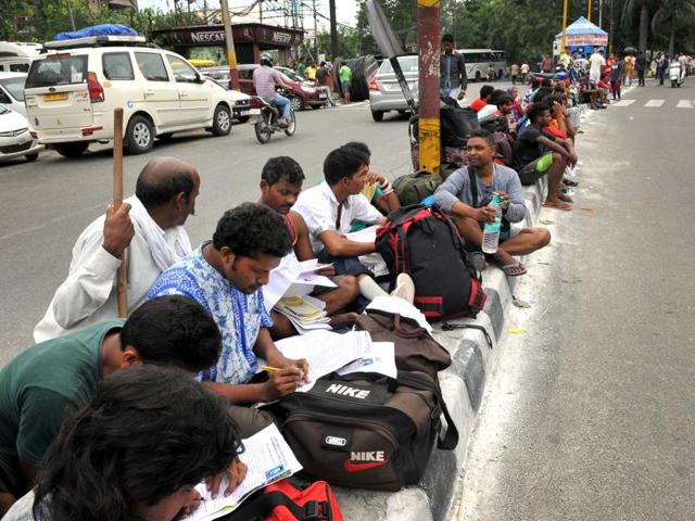 Amarnath Yatries stranded at base camp as authorities suspended the Amarnath Yatra since Saturday morning to avoid any possible tensions in Kashmir Valley following the death of Burhan Wani.