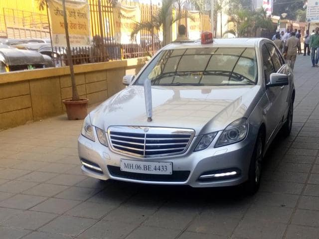 Transport minister Diwakar Raote uses a Mercedez Benz C-class car (MH 06 BE 4433) fitted with a red beacon.