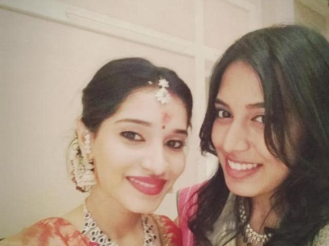 Akshita got engaged to long-time beau Manu Ranjith  at a low-key function in Chennai on Sunday.
