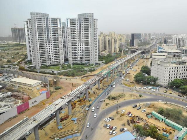Residents from Sector 75 to 80 can now hope to commute smoothly as the Haryana urban development authority (Huda) in Gurgaon has firmed up plans to acquire around 300 acres of land needed to build crucial master roads in these areas.