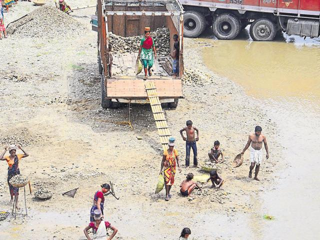 Rivers in northern West Bengal are rich sources of sand.(HT Photo)