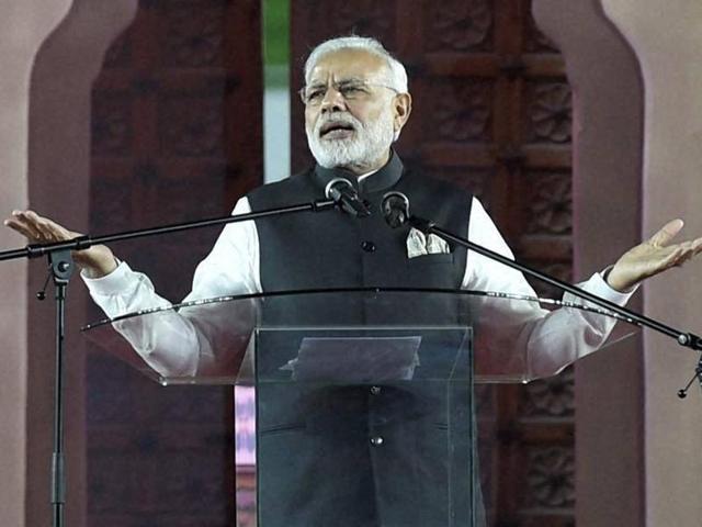 Prime Minister Narendra Modi addresses members of the Indian Community in Nairobi, Kenya on Sunday.