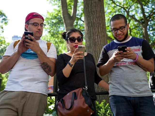 smartphone,facebook,north america