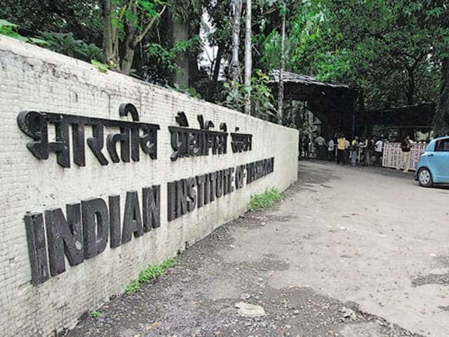 IITBombay and State Bank of India'sMoUwill help mentor startups.