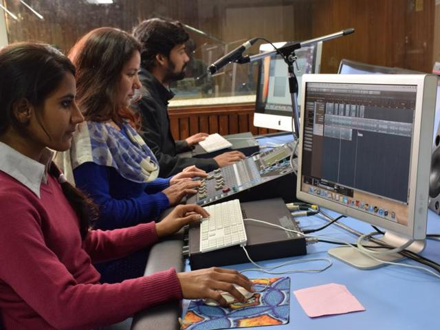 Students at colleges like Jamia MCRC (L) and IIMC (R) make and broadcast radio programmes.