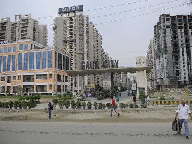 The residents of Gaur City have written a letter to the Gautam Budh Nagar district magistrate, Greater Noida authority and the city traffic police demanding a foot over bridge in front of their residential society.