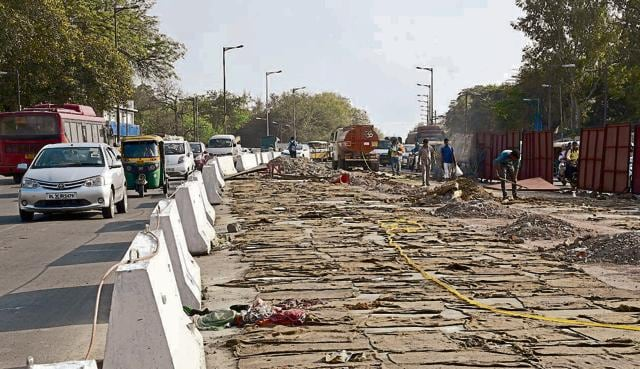 There are allegations of irregularities in dismantling f the BRT corridor in south Delhi.