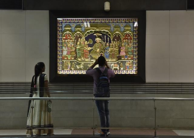 With beautiful murals, pictograms, photographs, handloom and sketches, the displays at Metro stations in south Delhi will surely brighten up your commute.