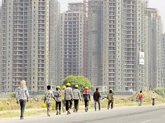 The environment ministry has decided to exempt big buildings and real estate projects from taking environment clearance.(Parveen Kumar/HT File Photo)