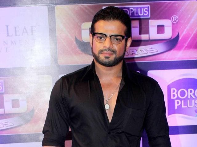 Actor Karan Patel could not attend actors Divyanka Tripathi's wedding due to work commitments.