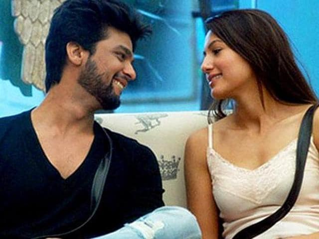 Exes Gauahar Khan and Kushal Tandon are at each others' throats after the latter said that he will never talk to her in an interview.