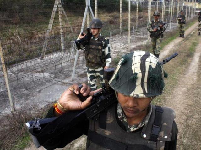 BSF,Border Security Force,Pakistani intruders