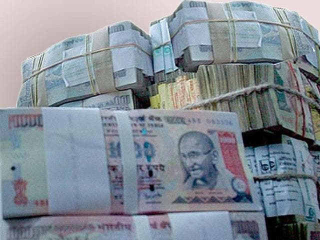 The SIT on black money has recommended ban on cash transactions of above Rs 3 lakh and making such transactions illegal and punishable under law.