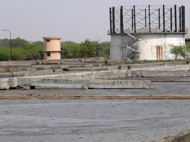 The New Delhi Municipal Council has identified 12 schools where decentralised sewage treatment plants (of varying sizes, depending on available areas) will be set up. Treated water from these plants will be used for horticulture in nearby green areas.
