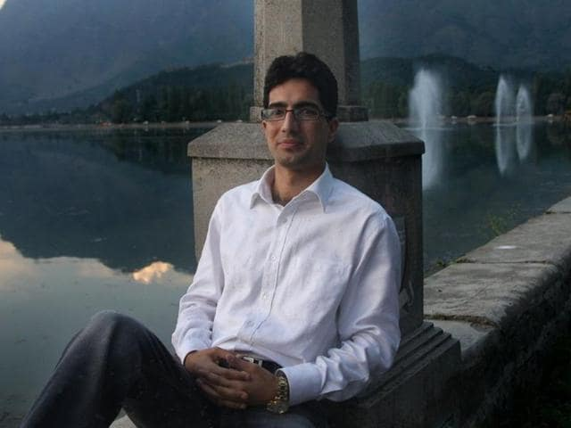 Shah Faesal, Kashmir's first UPSC topper, accused the media of 'pitching one Kashmiri against another and breeding more alienation' in the state.(Facebook)