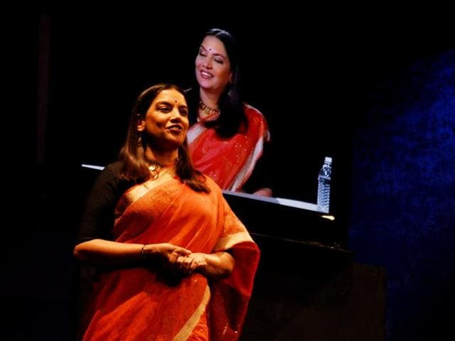 Shabana Azmi plays a character whose image becomes her inquisitor, confronting her with her deepest secrets.