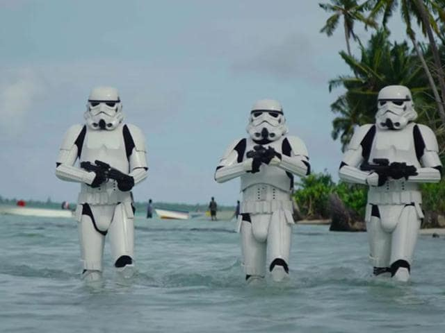 All is right with the world: New Star Wars Rogue One footage is out.