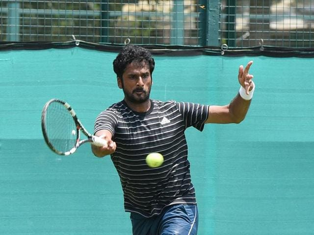 Saketh Myneni showed grit and guts to overcome his Korean opponent in tough conditions