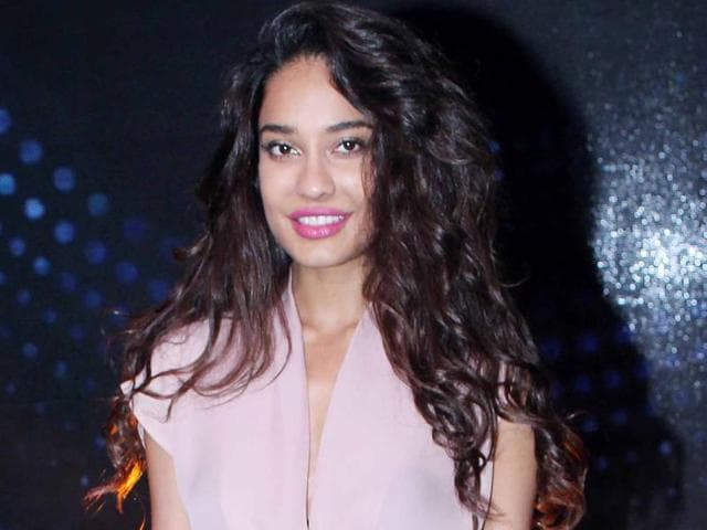 Lisa Haydon says that she believes in equality of men and women.