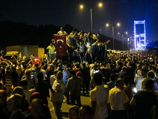 Part of the military attempting a coup reportedly opened fire on civilians trying to cross the Bosphorus Bridge.