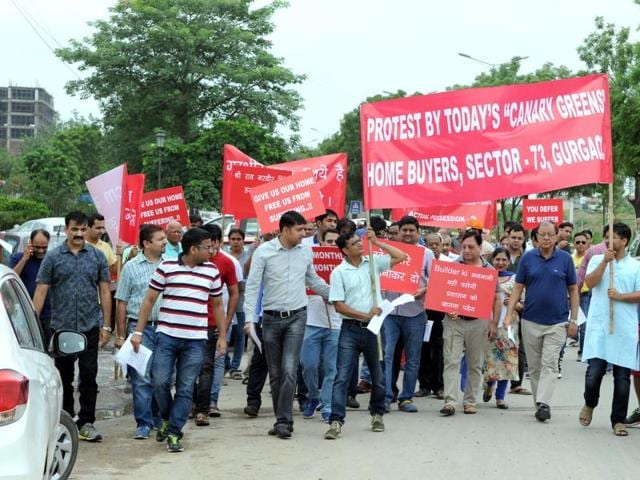 Buyers of Today Canary Greens project held a demonstration at Subhash Chowk on Sunday.